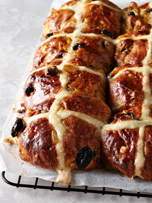 The only hot cross bun recipe you need this Easter