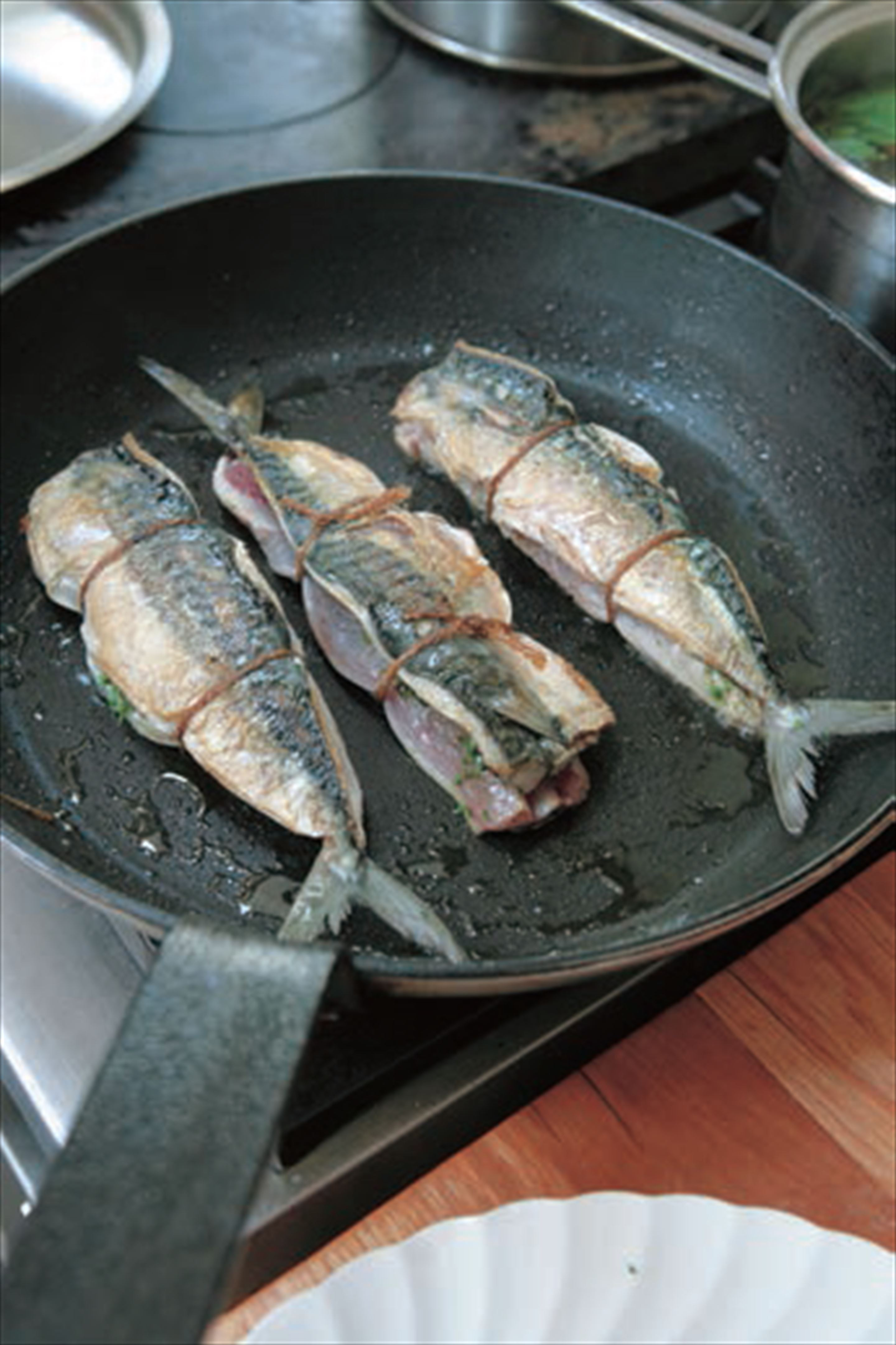 Mackerel stuffed with salsa verde