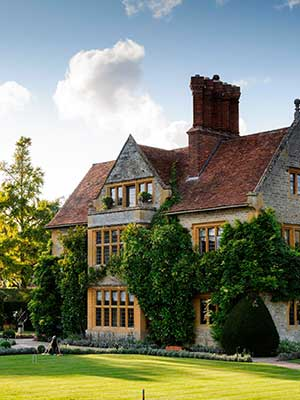 Eating on the job: Le manoir