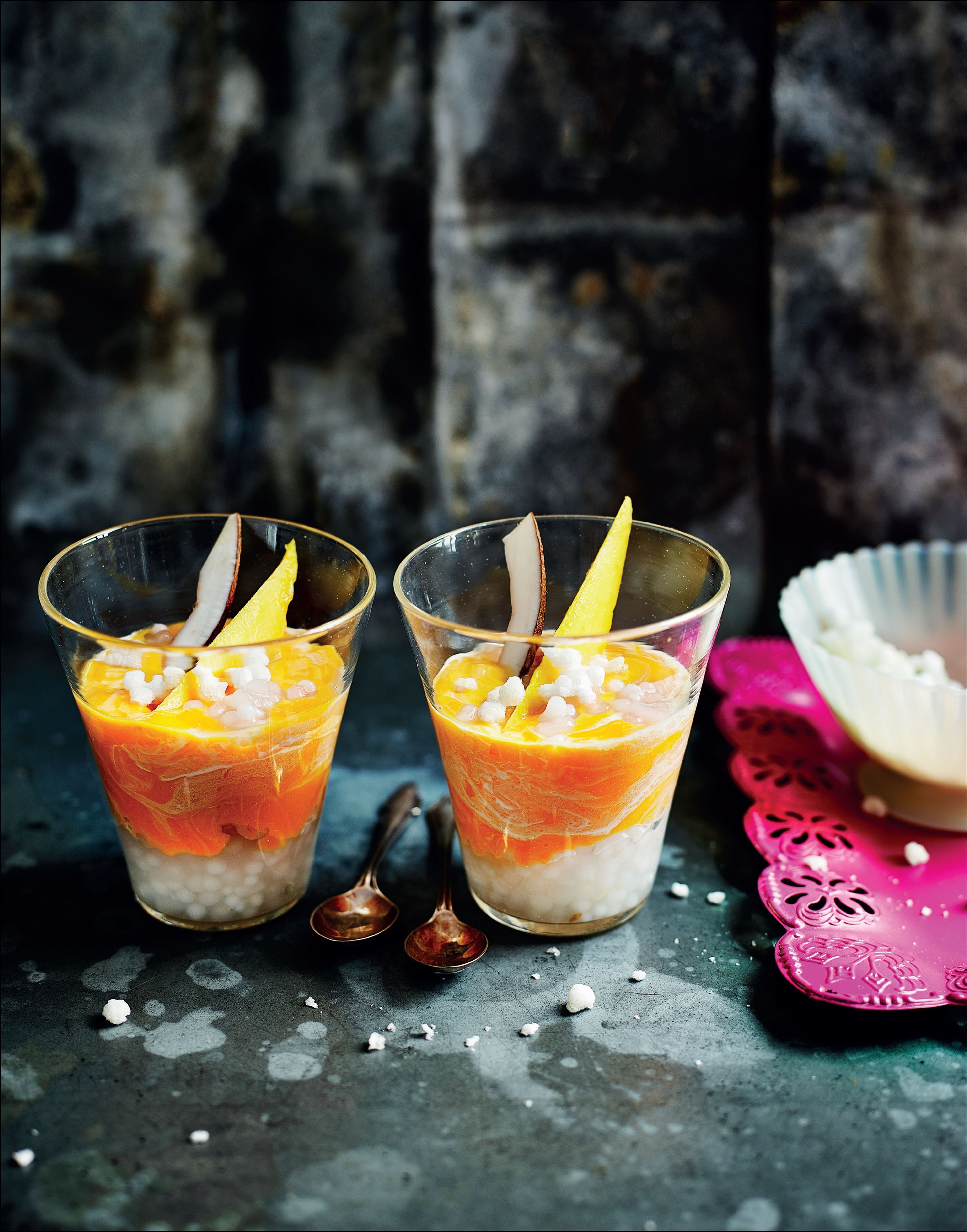 "Chilled mango, coconut and ""pearl"" puddings"