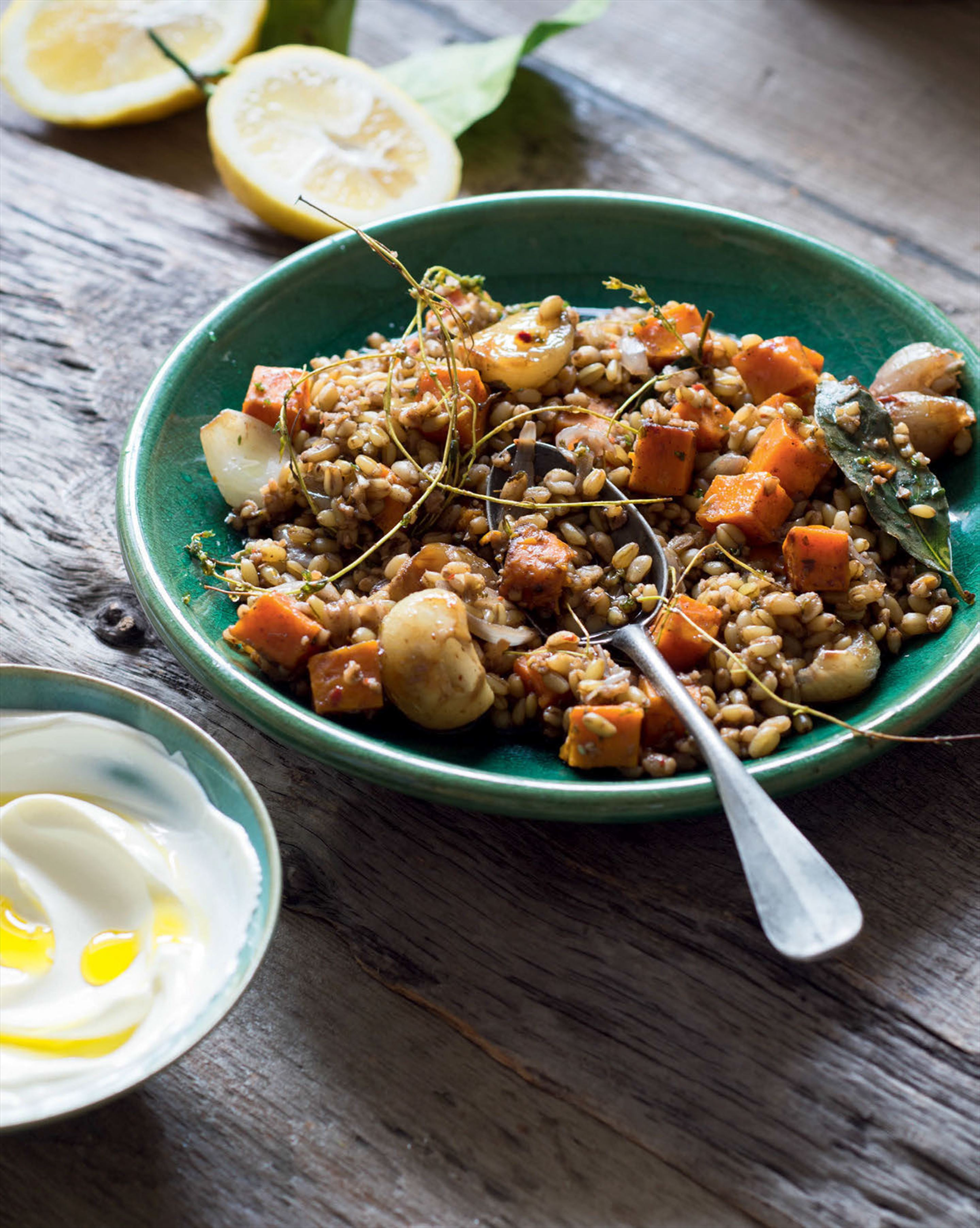 Freekeh pilaf with spiced roast pumpkin & shallots