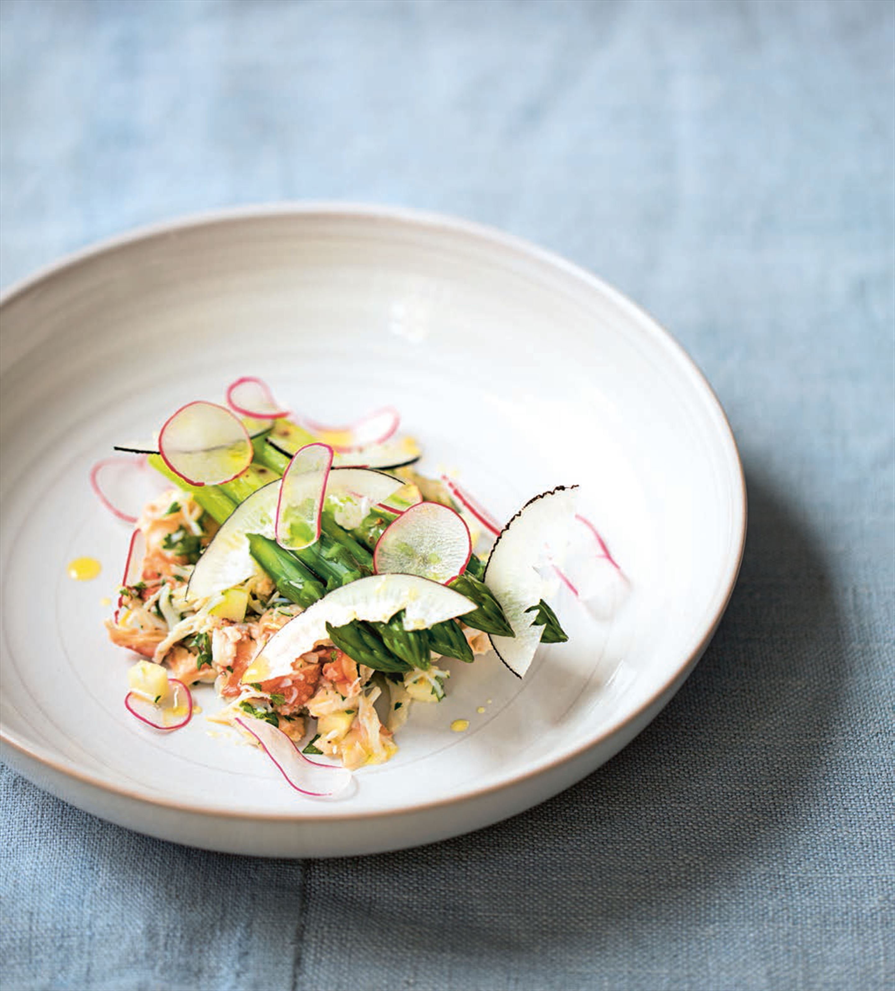 Crab and asparagus salad with radishes