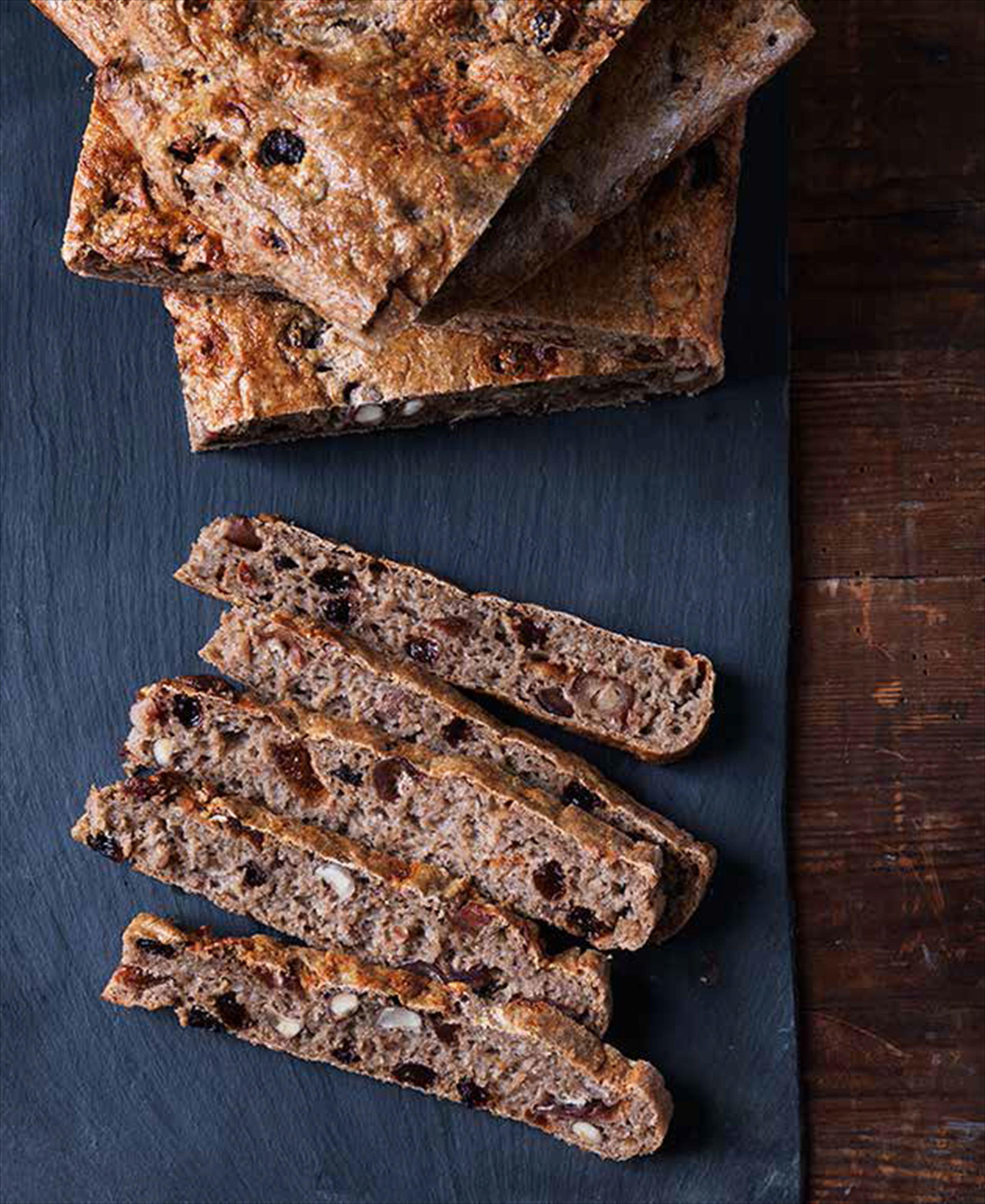 Nordic spelt focaccia with fruit and nuts