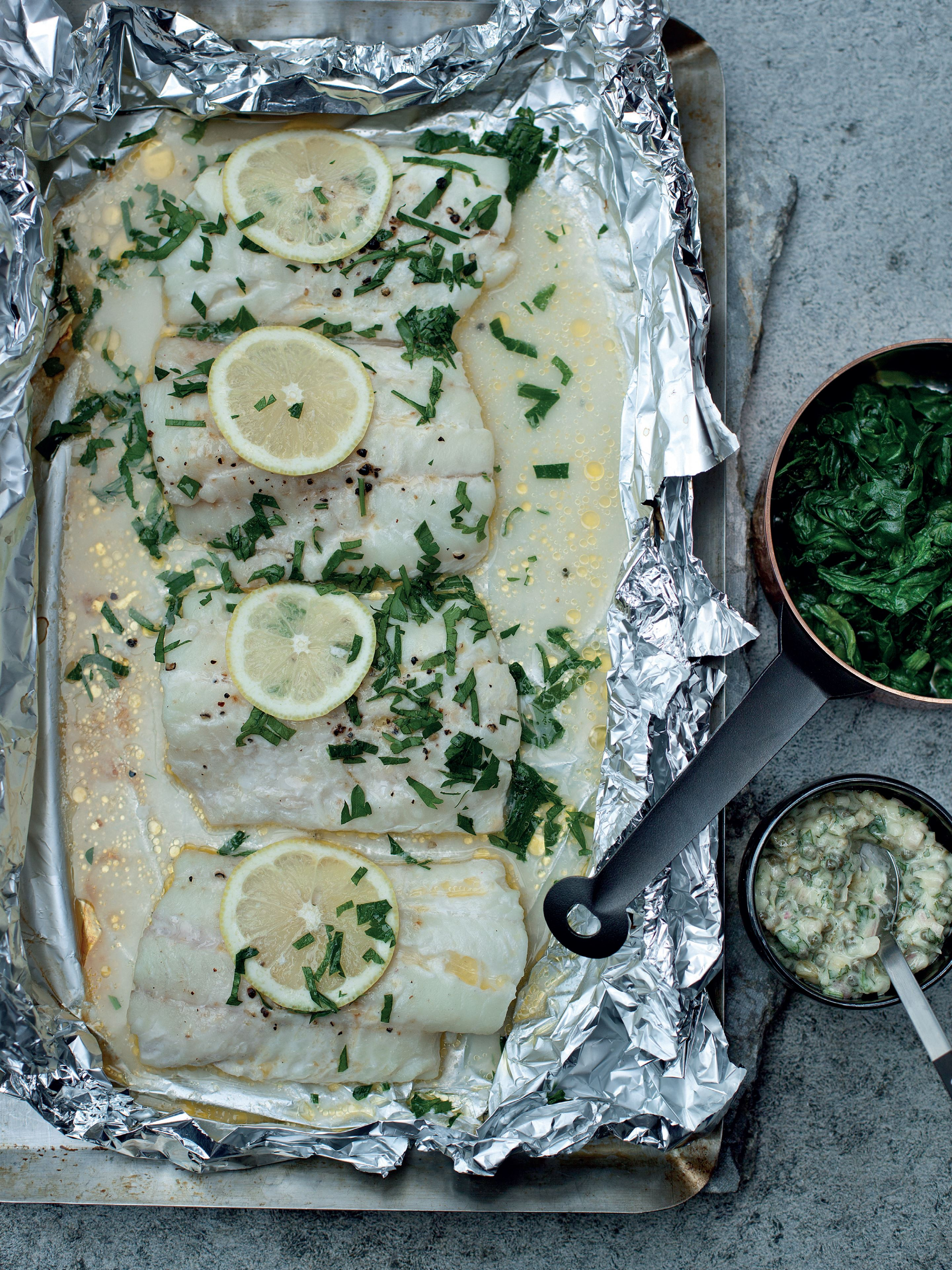 Grilled haddock with spinach and tartare sauce