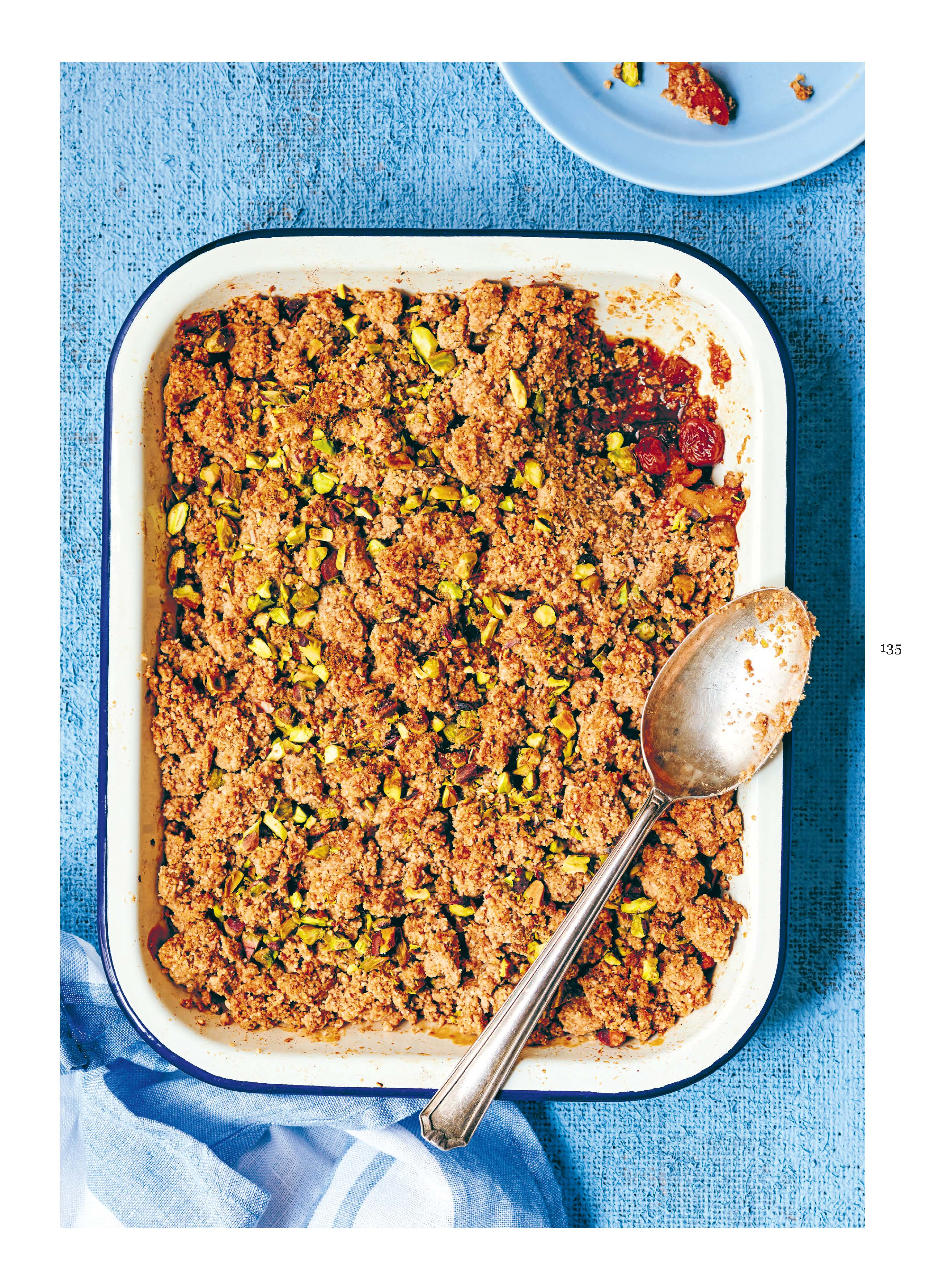 Apple & apricot crumble