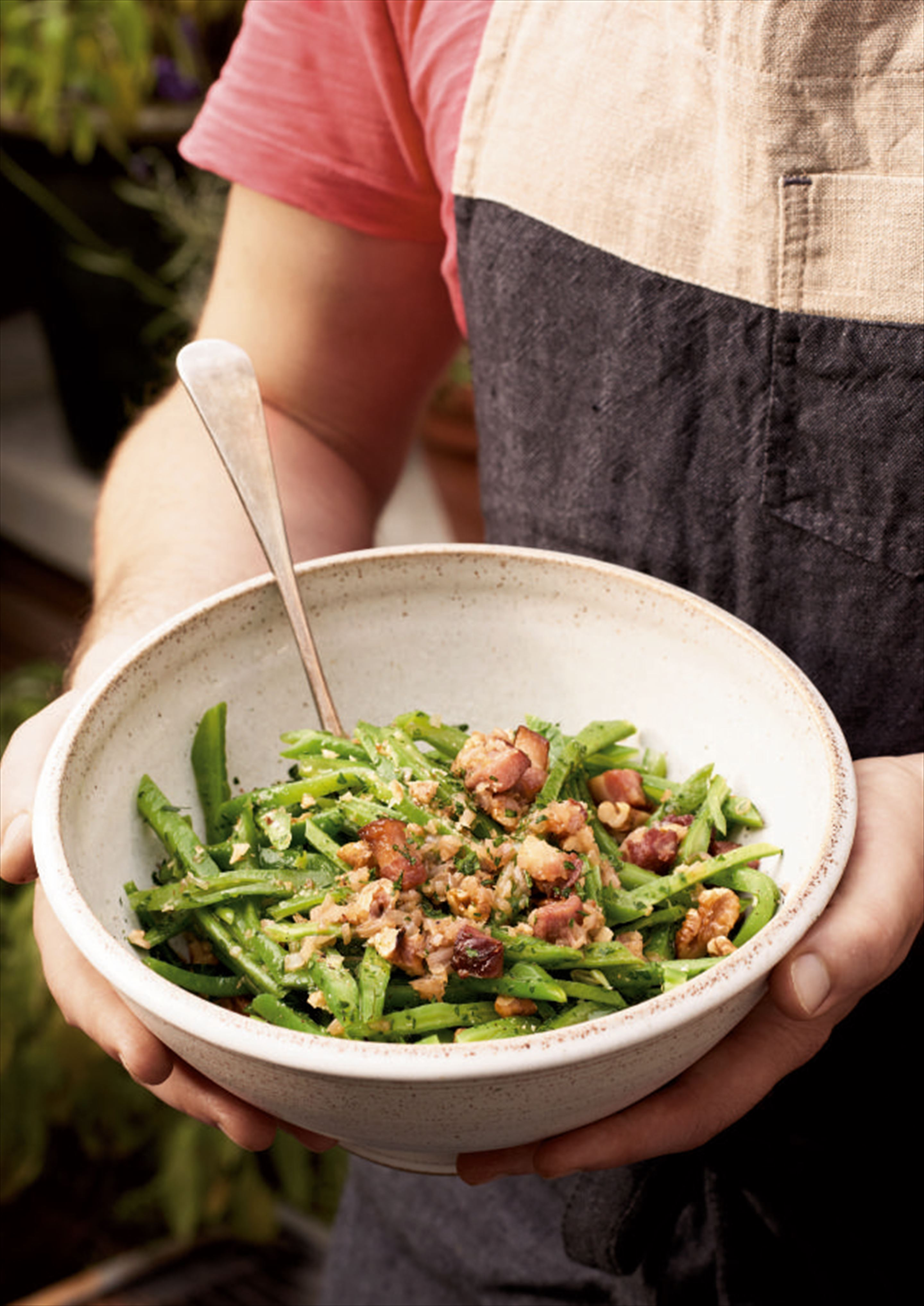 Runner beans with bacon and walnuts