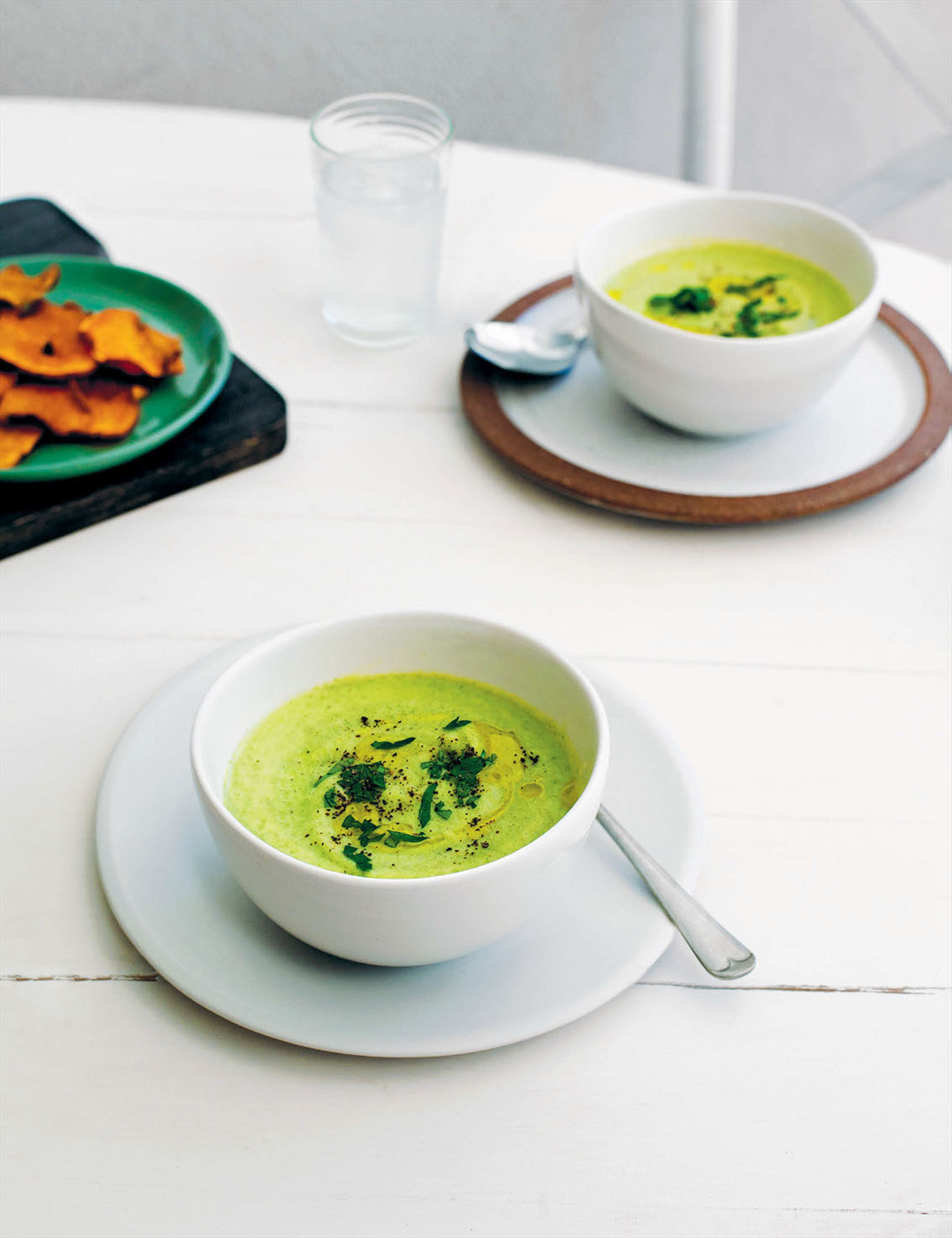 Cauliflower and broccoli soup with sweet potato crisps
