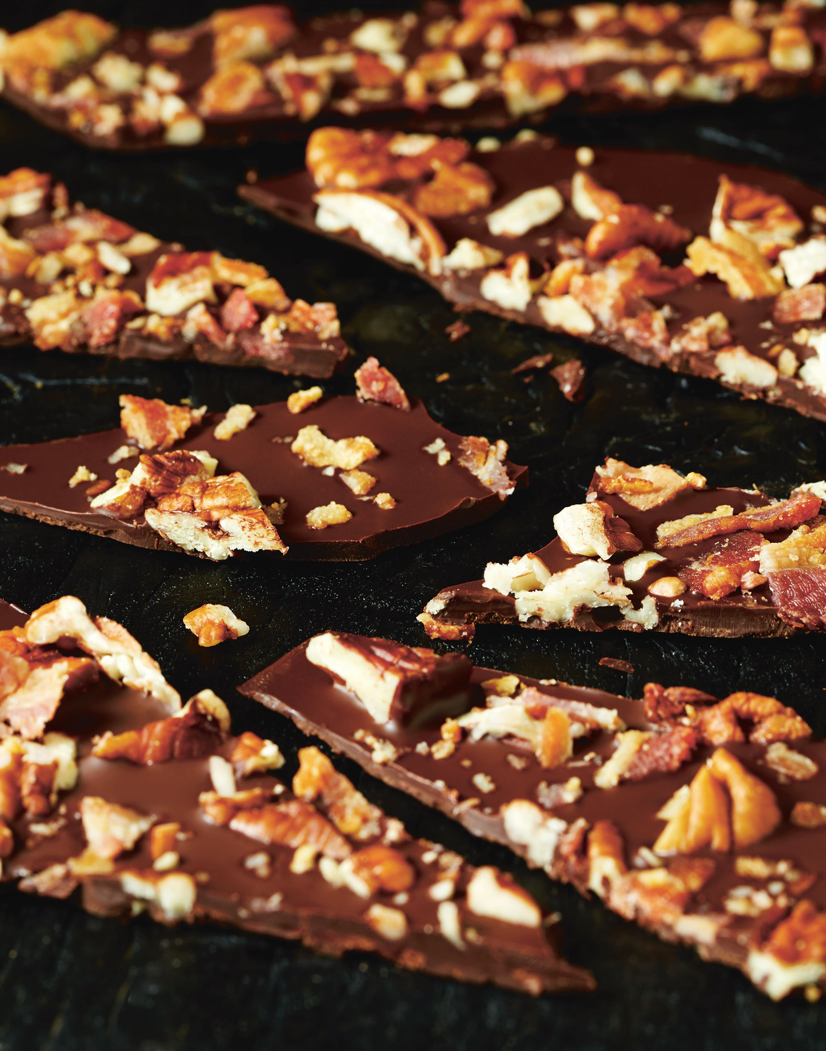 Bacon and pecan nut chocolate shards