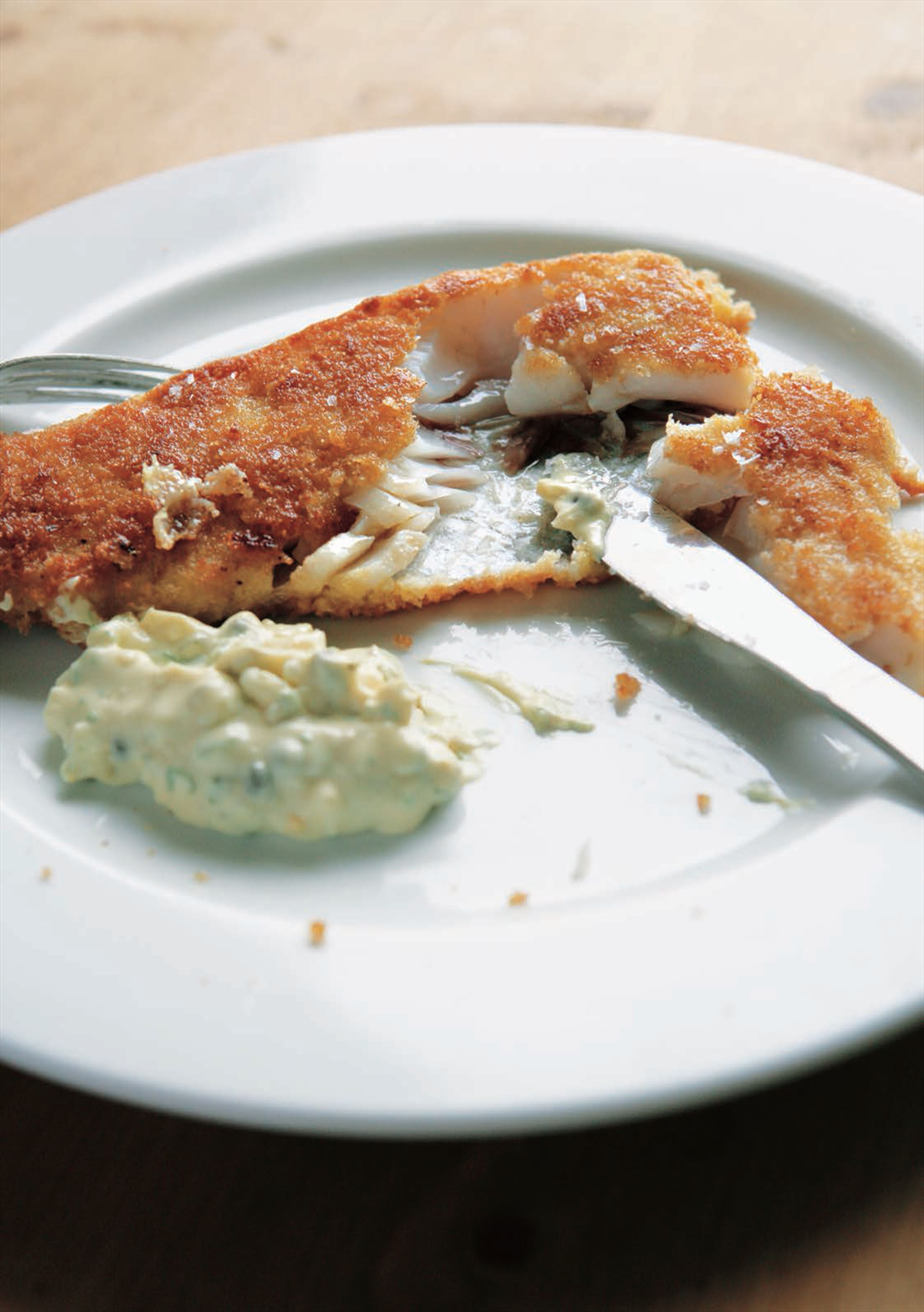 Crumbed plaice fillets with tartare sauce