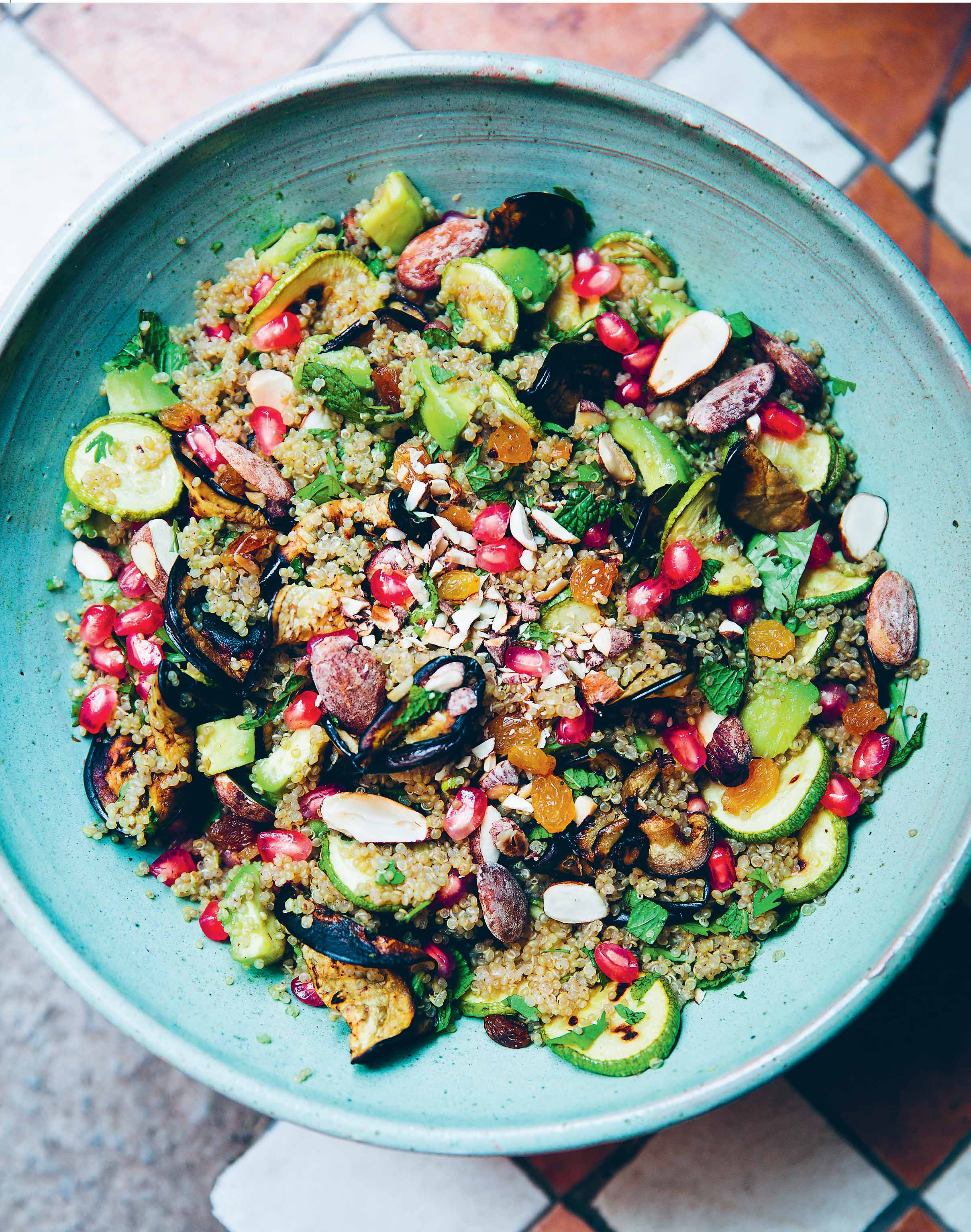 Quinoa, almond and mint salad