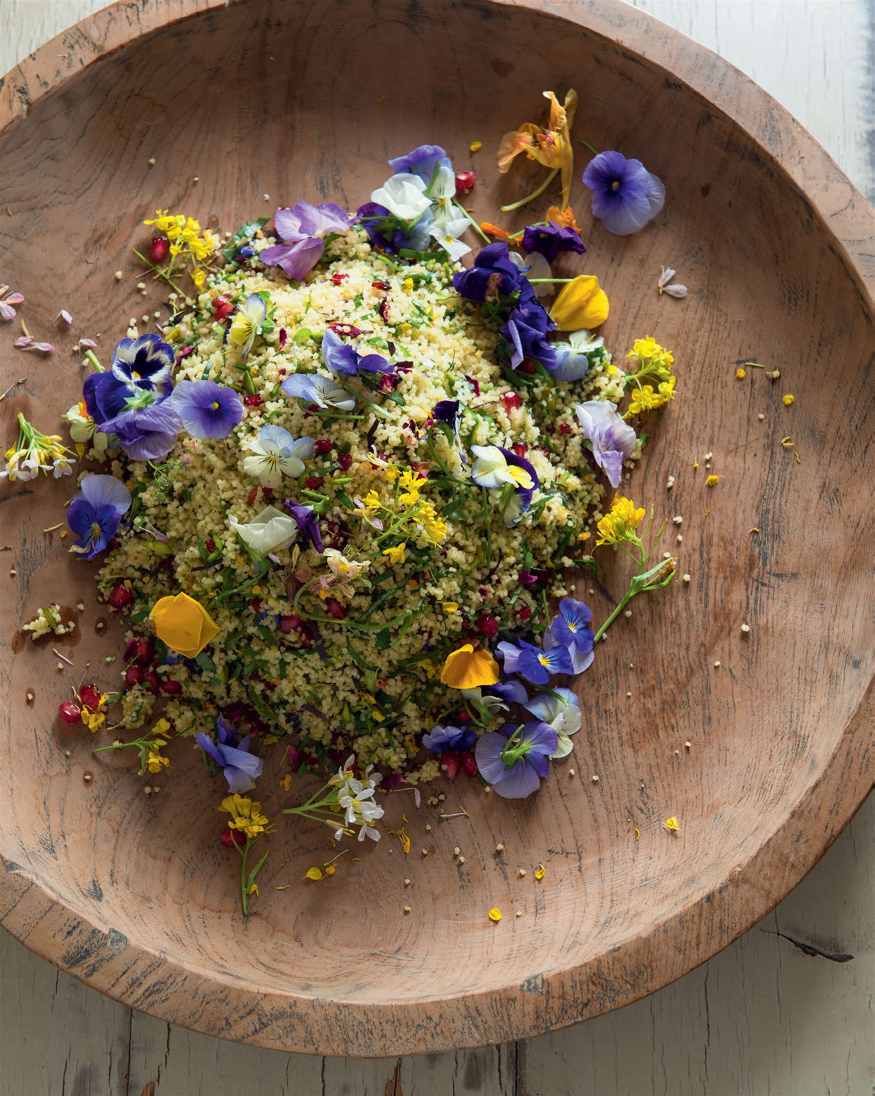 Wedding couscous with herbs & flowers