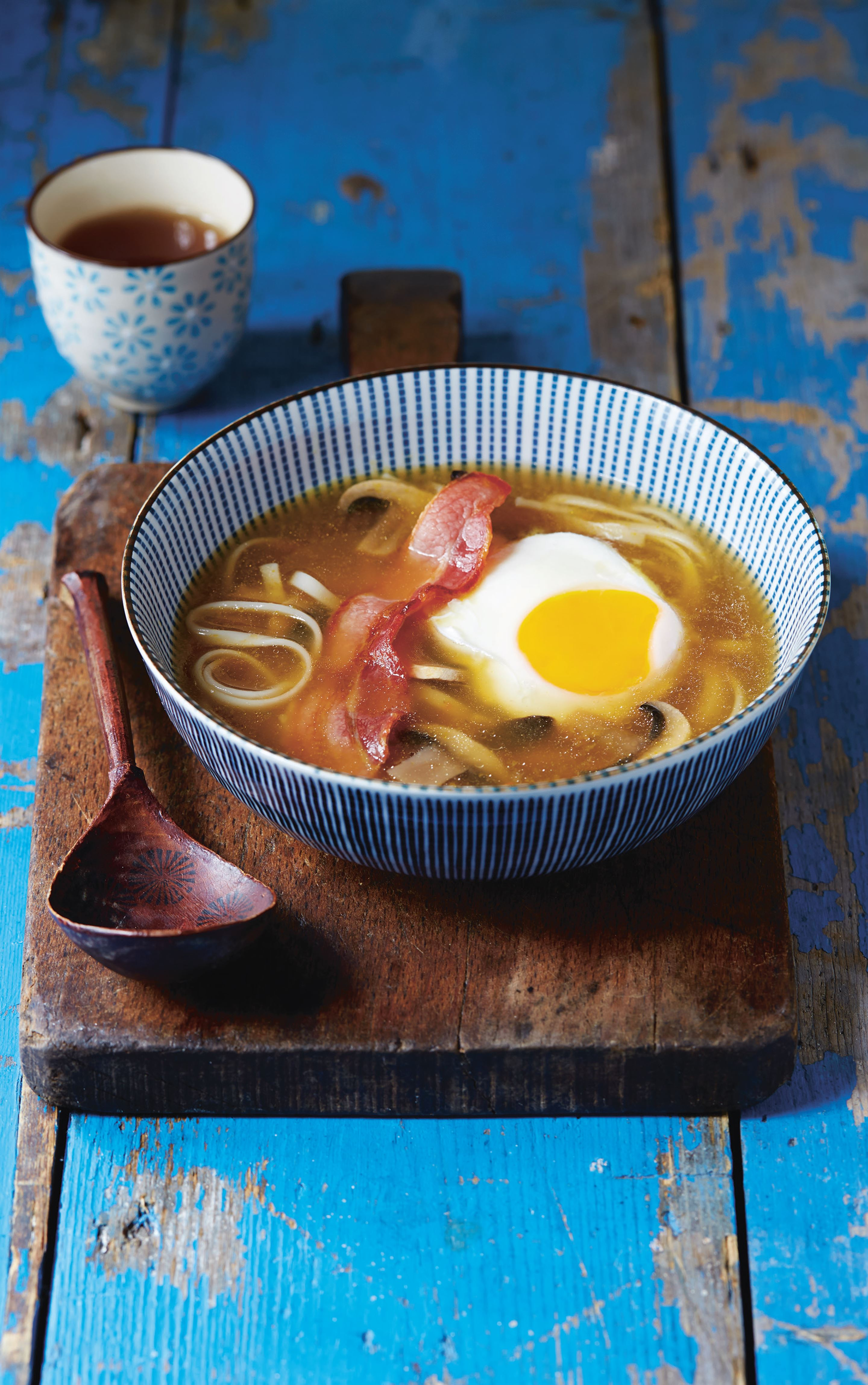 Egg and bacon udon