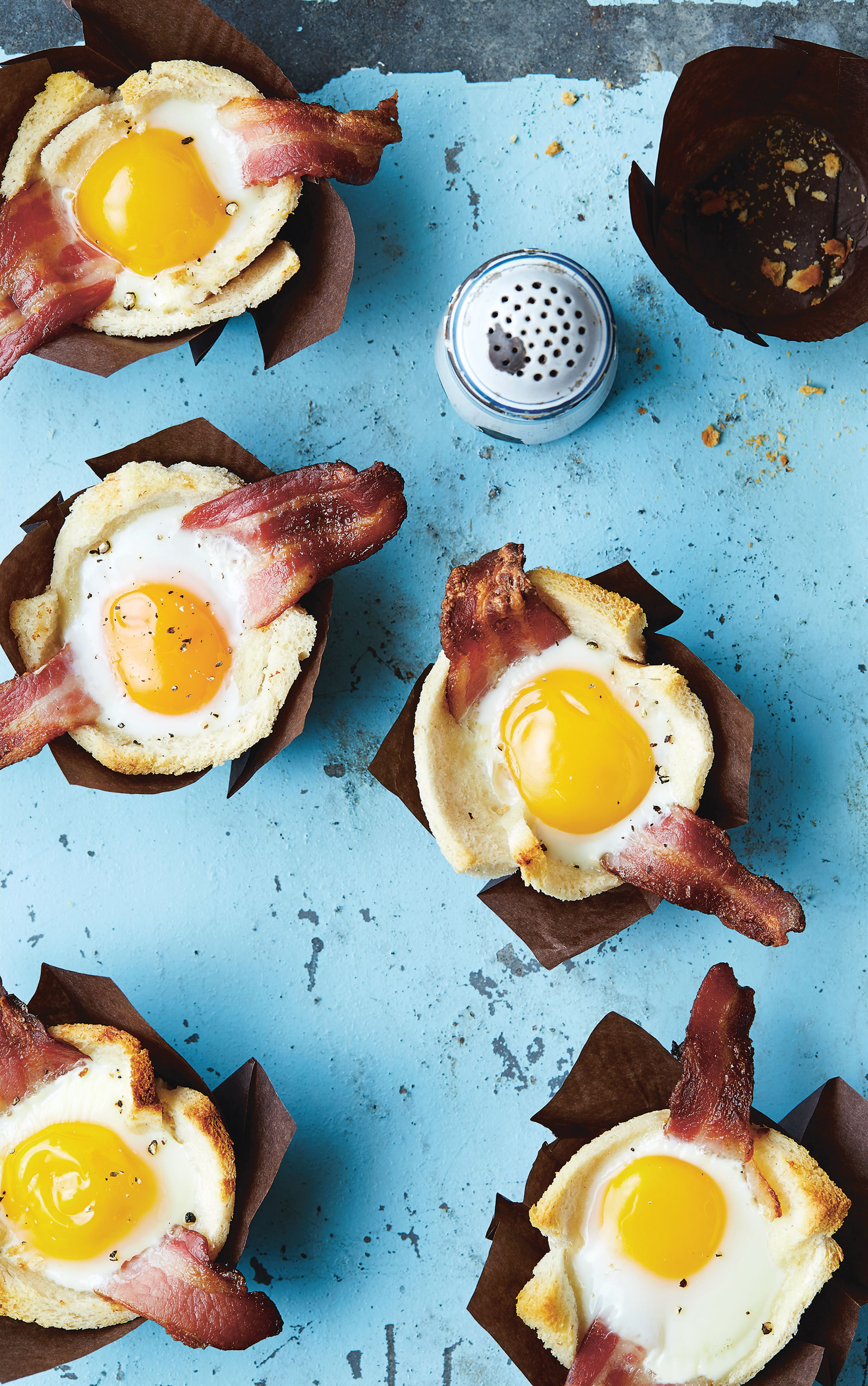 Bacon and egg toast muffins