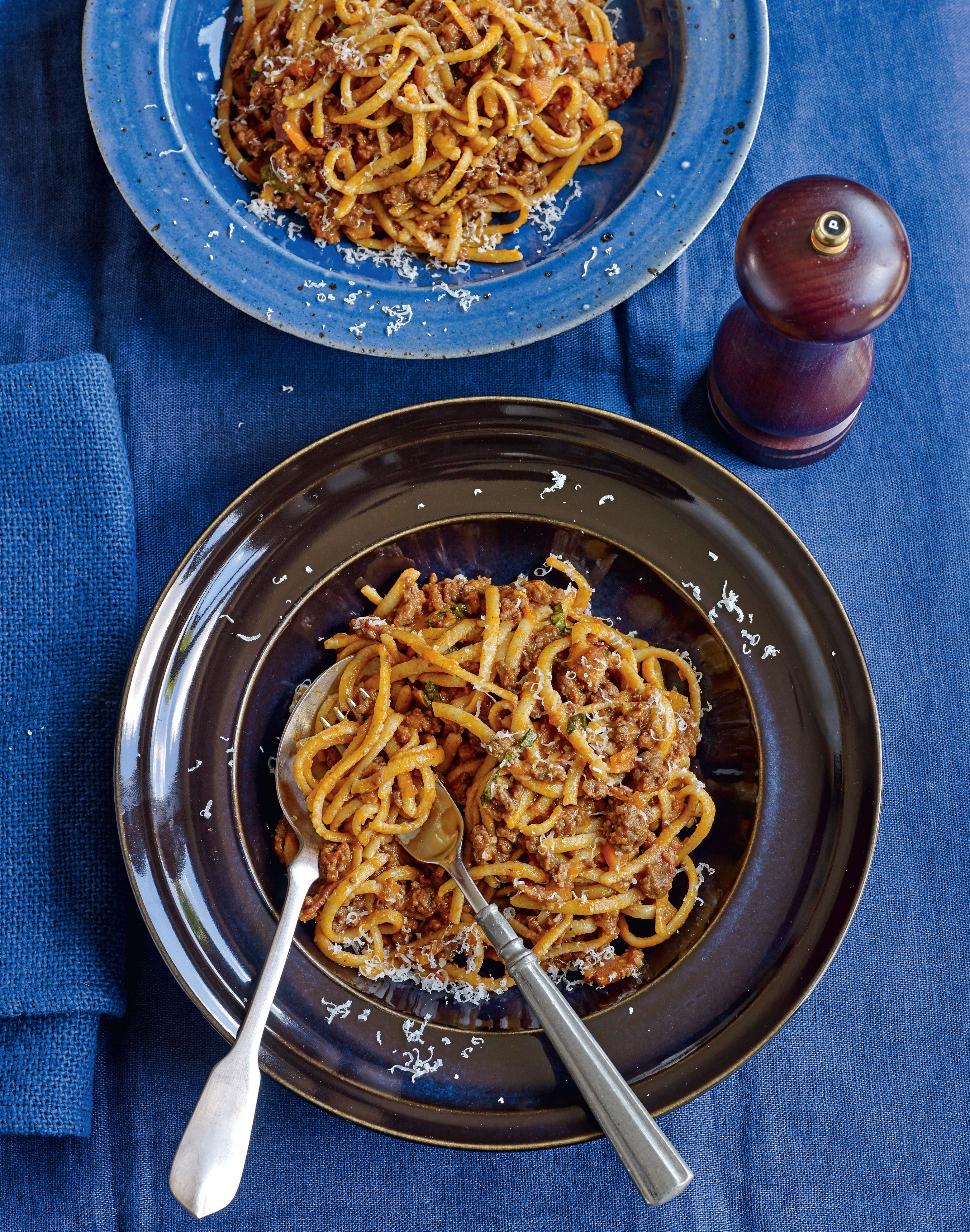 Linguine with beef ragu