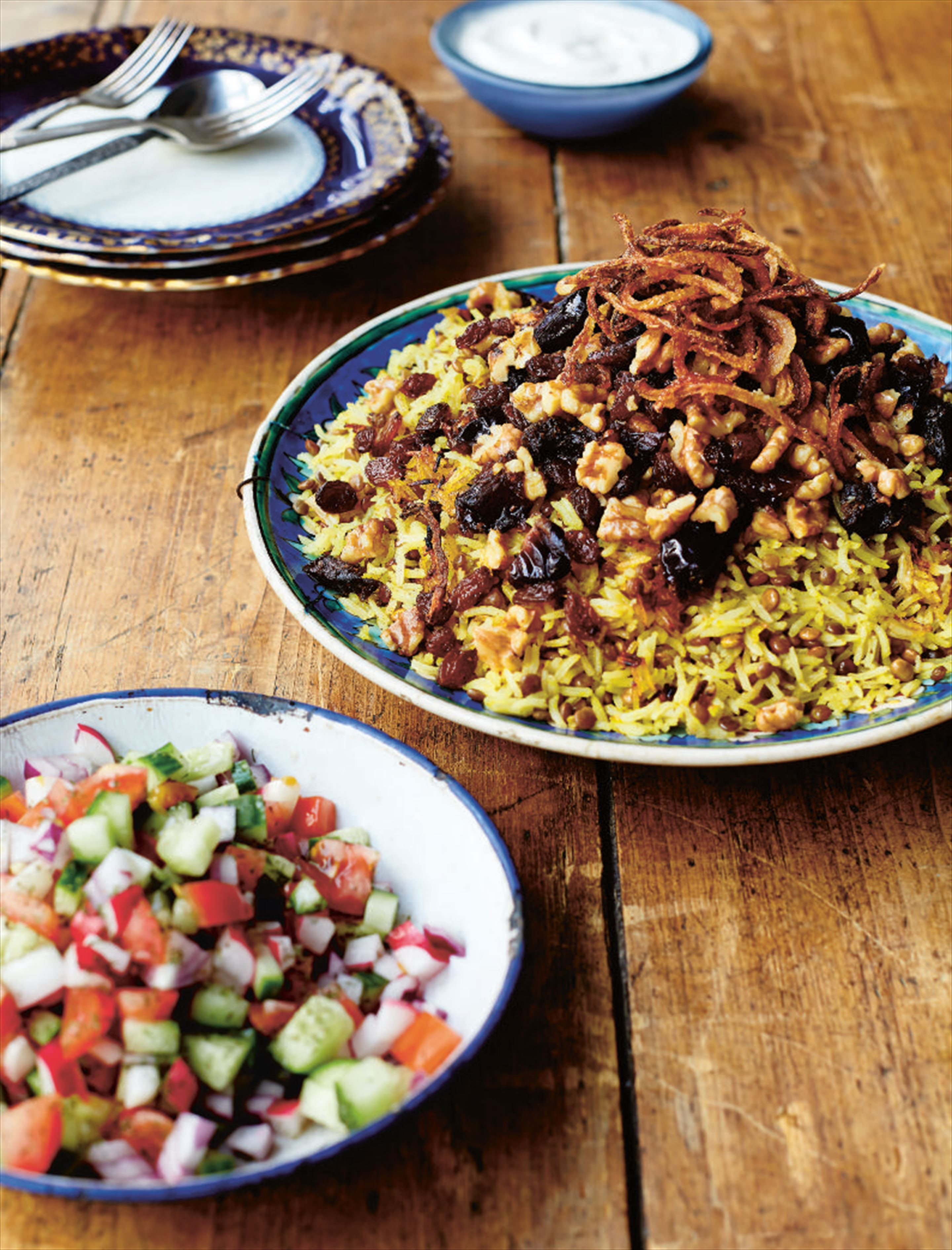 Rice with lentils, dates and walnuts