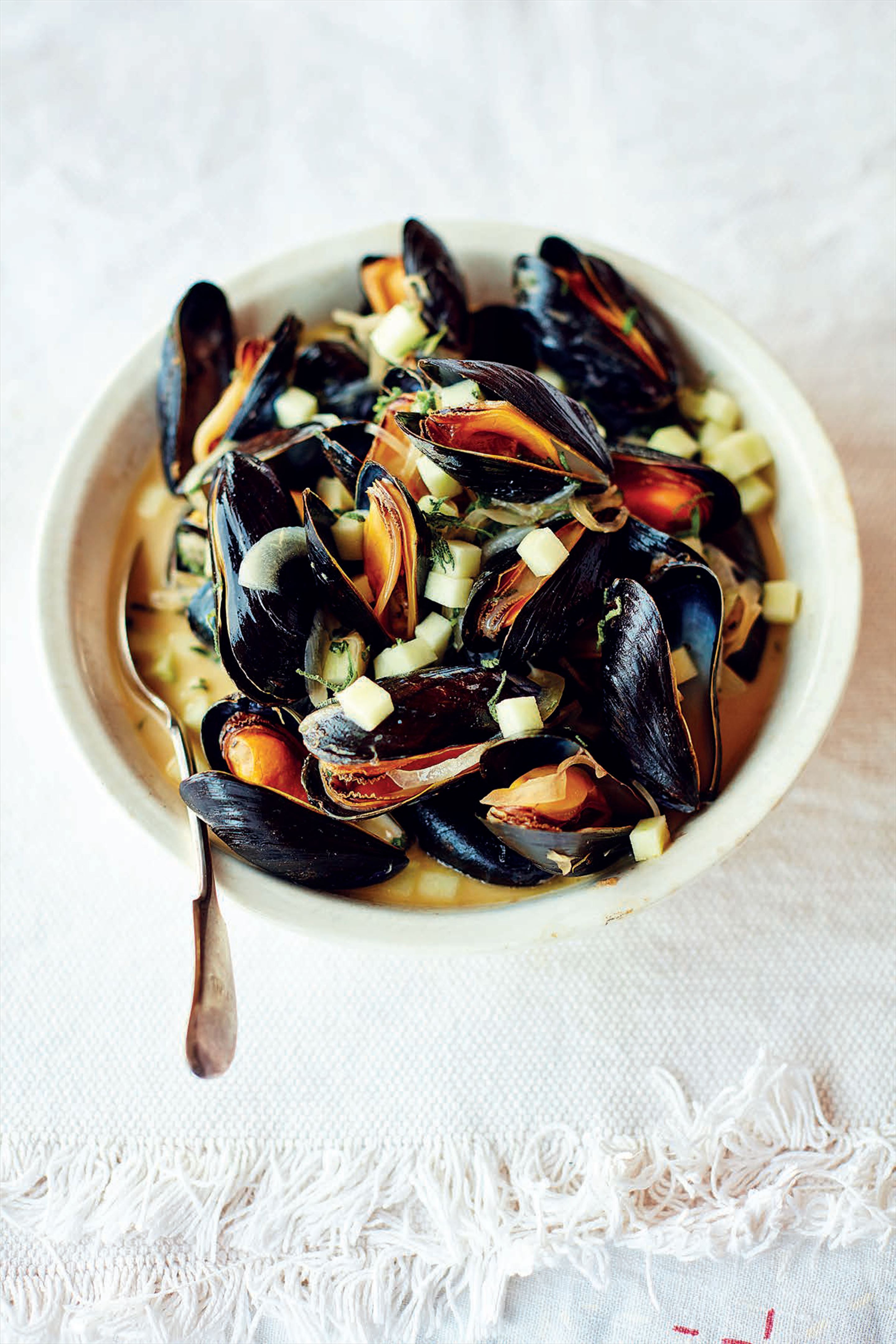 Mussels with sage, cider and clotted cream