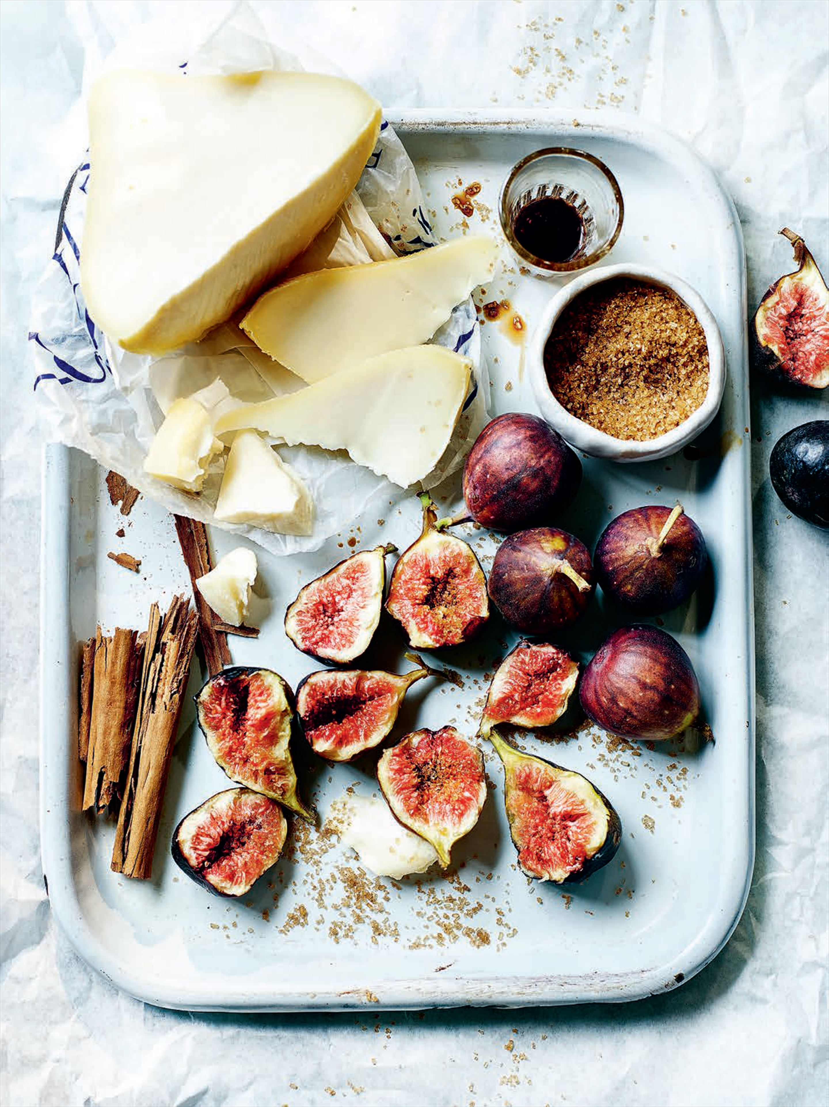 Baked figs with tetilla cheese