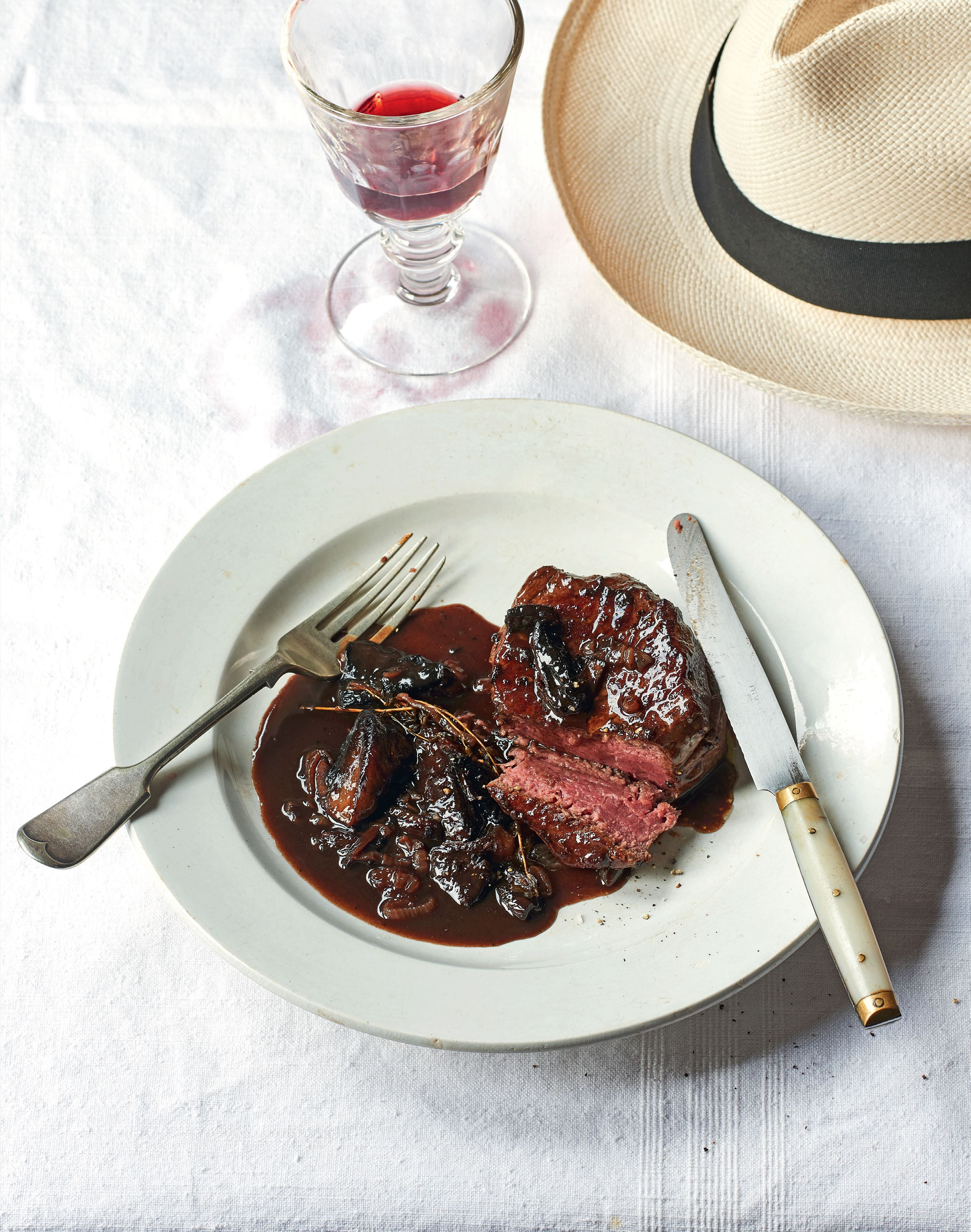 Fillet steak with Bordelaise sauce