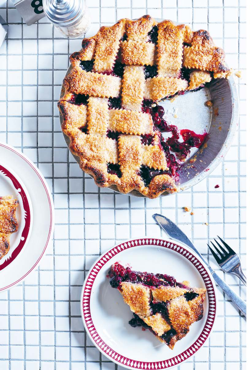 Boozy blueberry, blackberry & rye pie