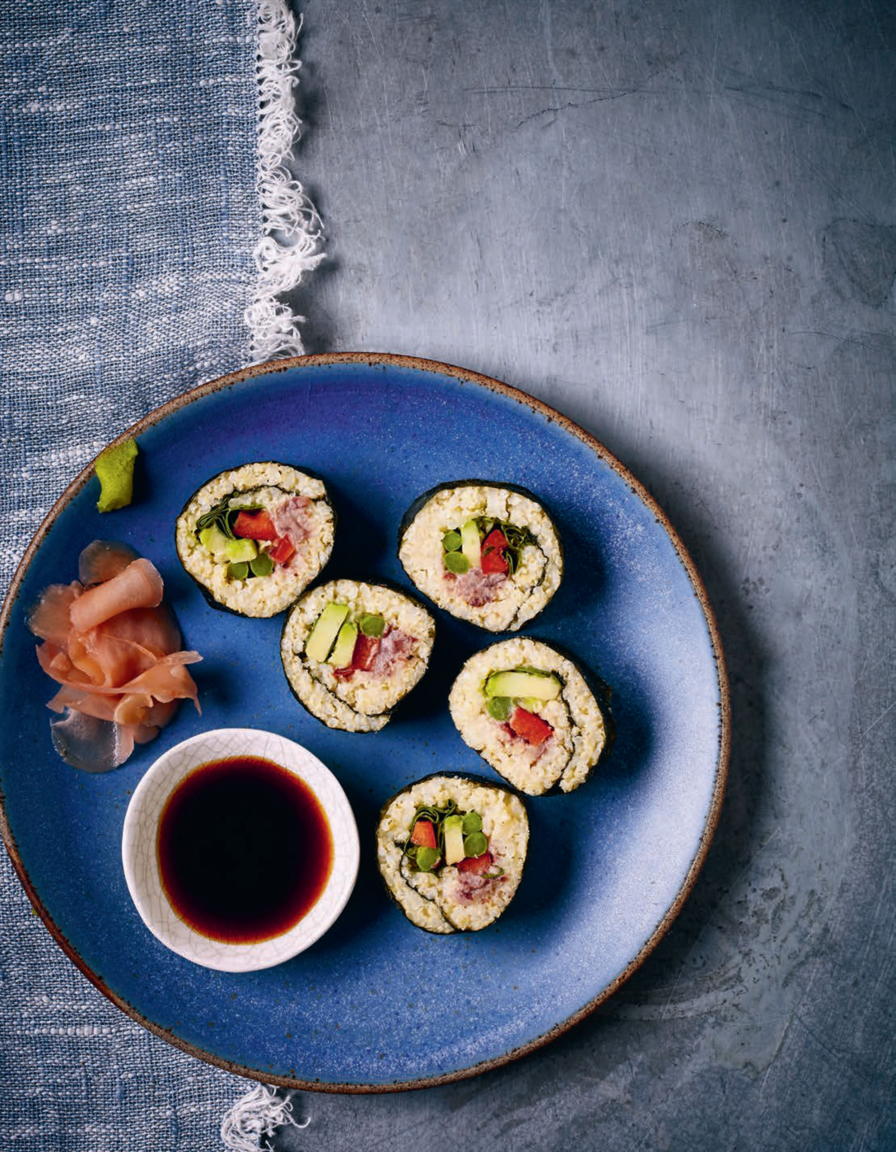 Millet and watercress sushi with creamy aduki bean paste