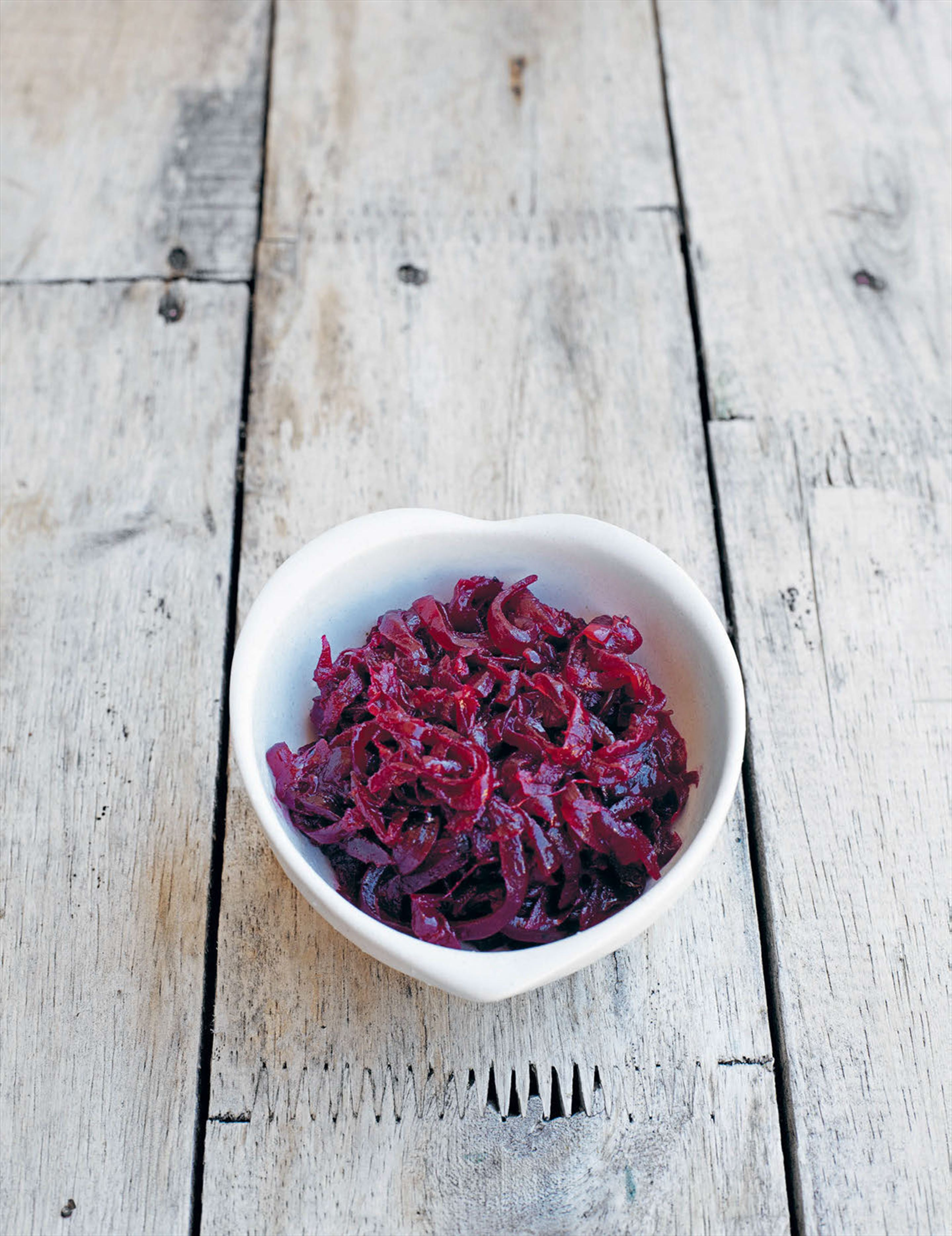 Onion and beetroot relish