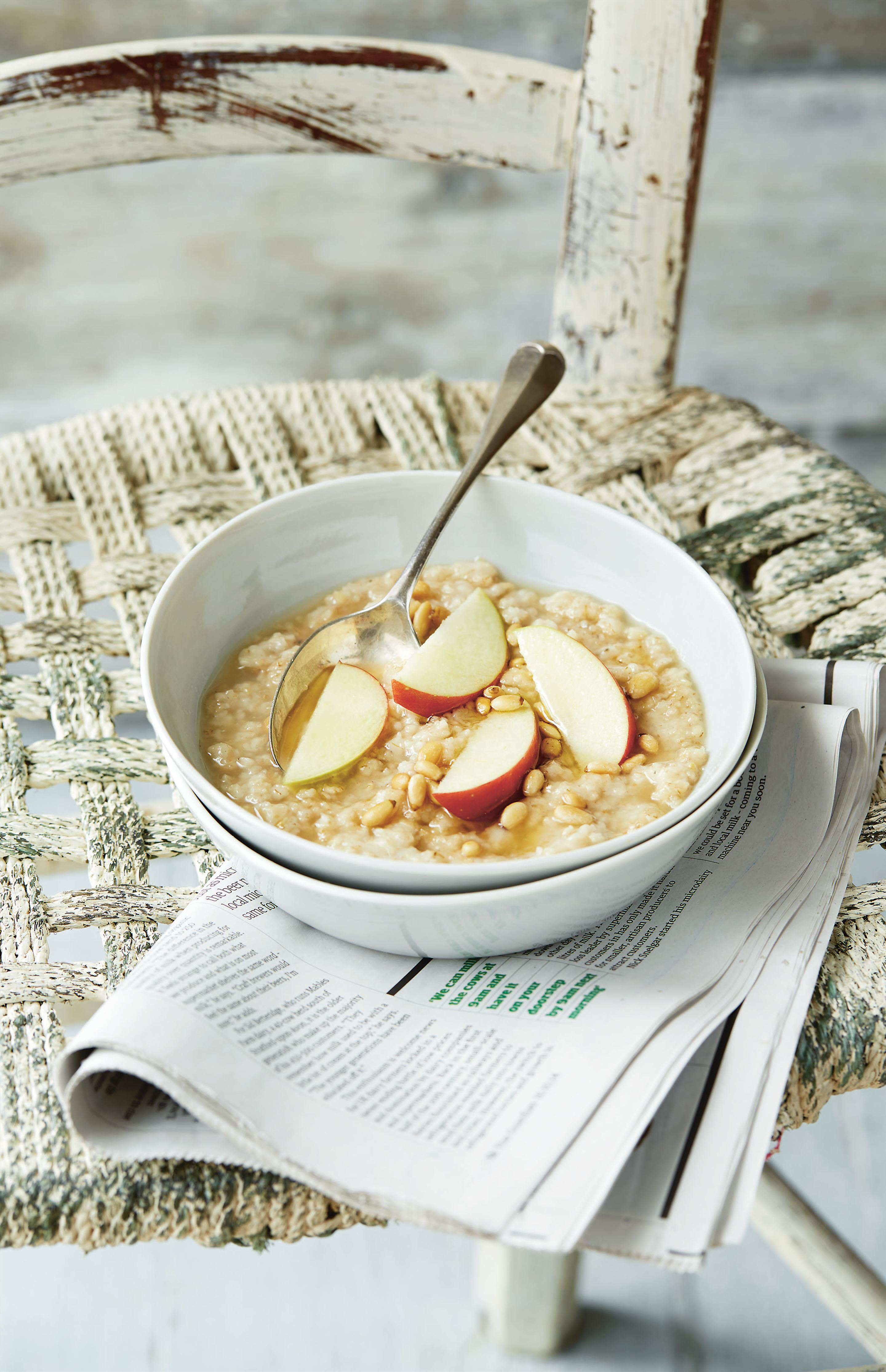 Porridge with pine nut milk