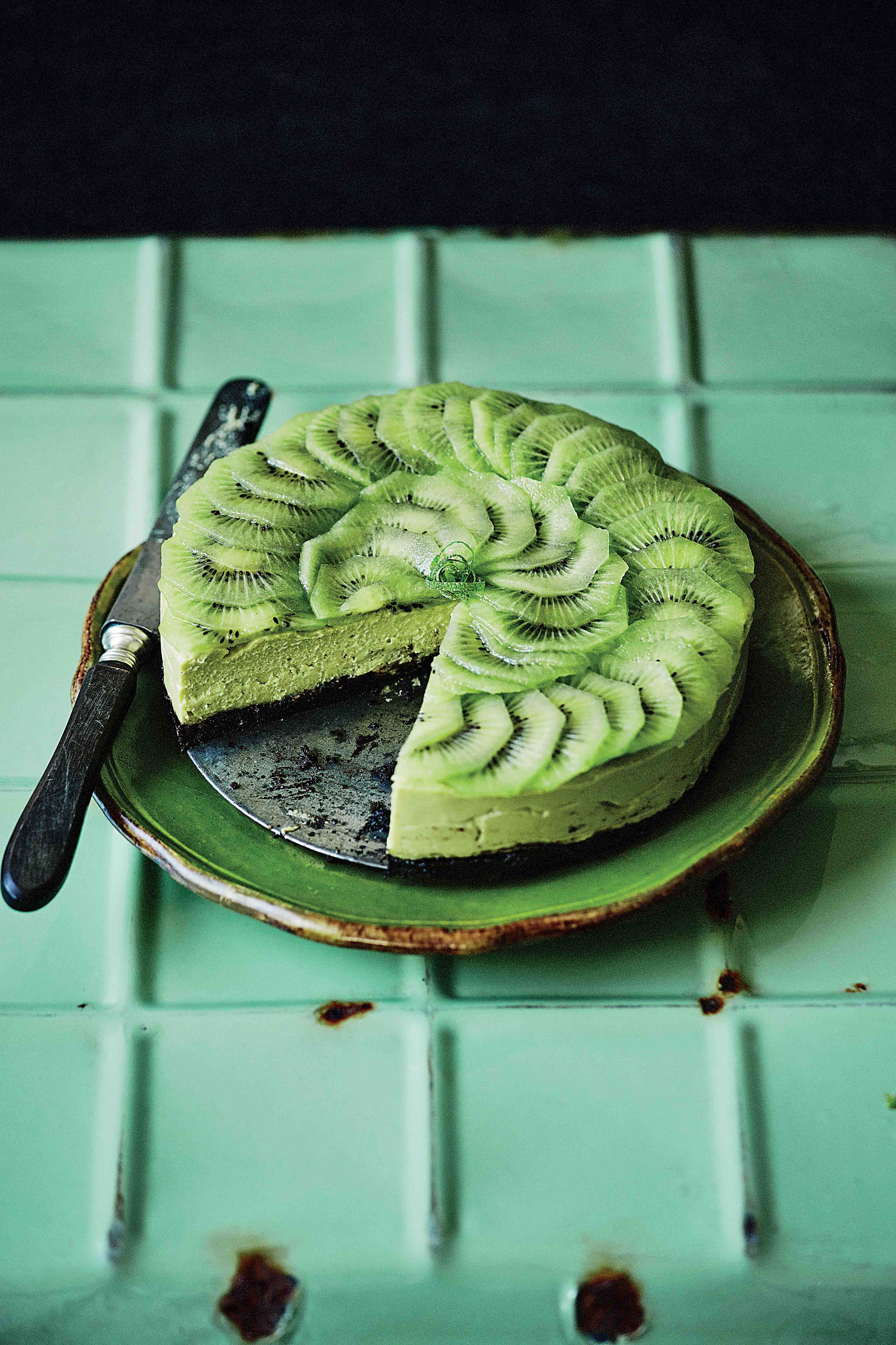 Black & green cheesecake with Bengali lime & avocado